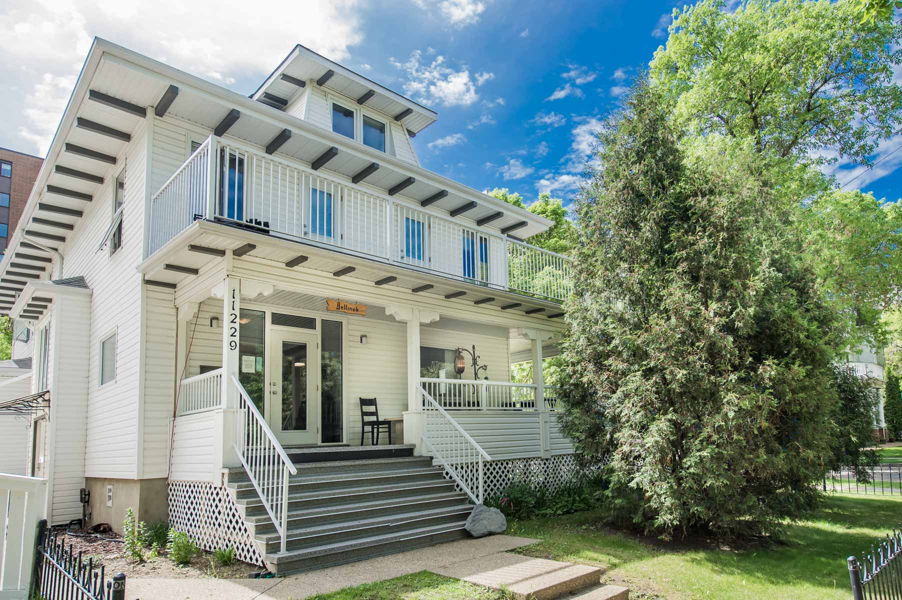 Exterior - Jellinek Society House